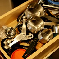 {Pinteresting Pin} Measuring Cups & Spoons Organization
