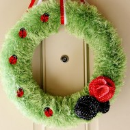 (diy tutorial) ladybug fuzzy yarn wreath