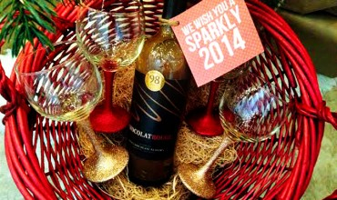Chocolate Wine & DIY Glittered Wine Glasses #Cheers2Chocolate #ChocolatRouge #shop #cbias