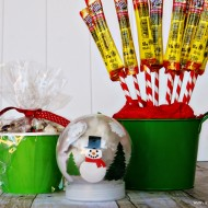(20 crafty days of christmas) hot chocolate, popcorn and beef jerky easy gift ideas