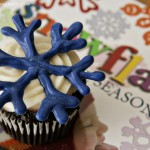 (edible craft) chocolate snowflake cupcake toppers