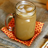 Iced Pumpkin Spiced Latte / www.seevanessacraft.com
