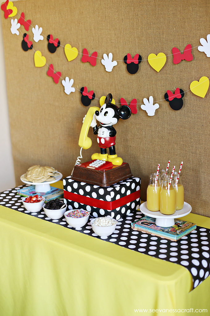 Mickey Mouse Breakfast