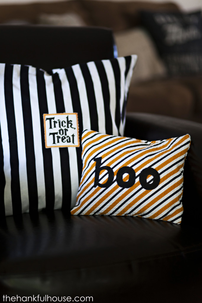 Halloween-pillows-051-683x1024