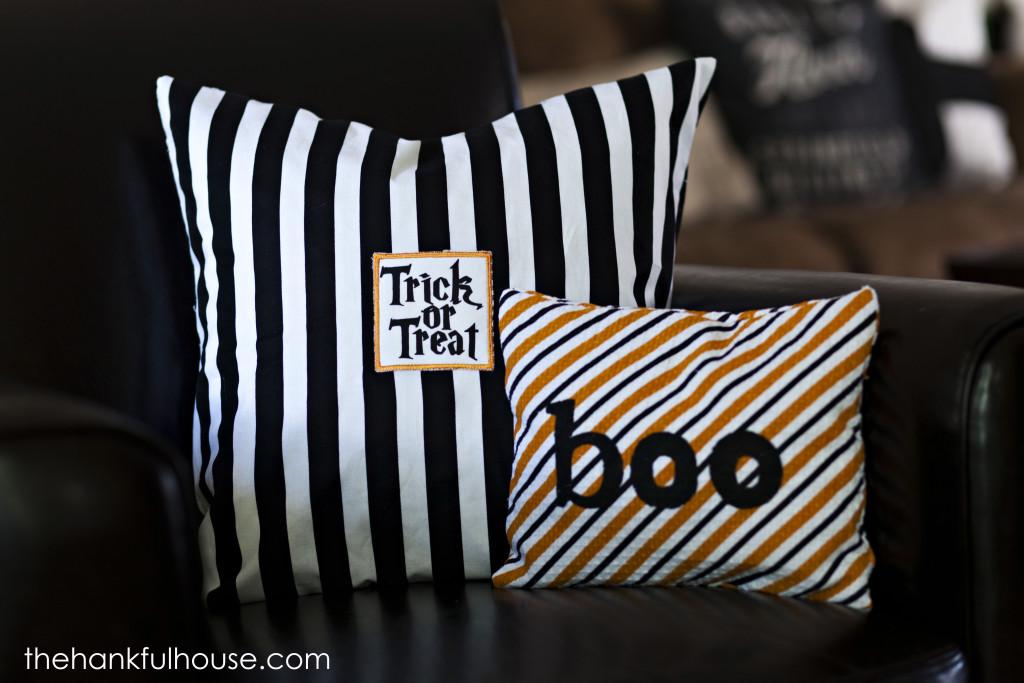 halloween pillows 108 1024x683 - Halloween Pillows