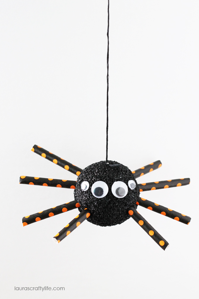 Hanging-Halloween-foam-spider