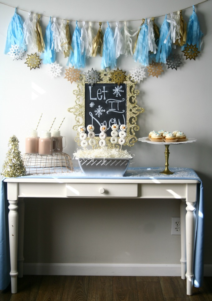 Winter Hot Coco Bar with Tassle and Snowflake Banner