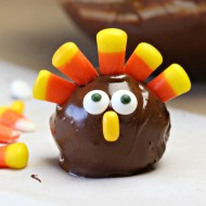 Thanksgiving: OREO Cookie Ball Turkeys