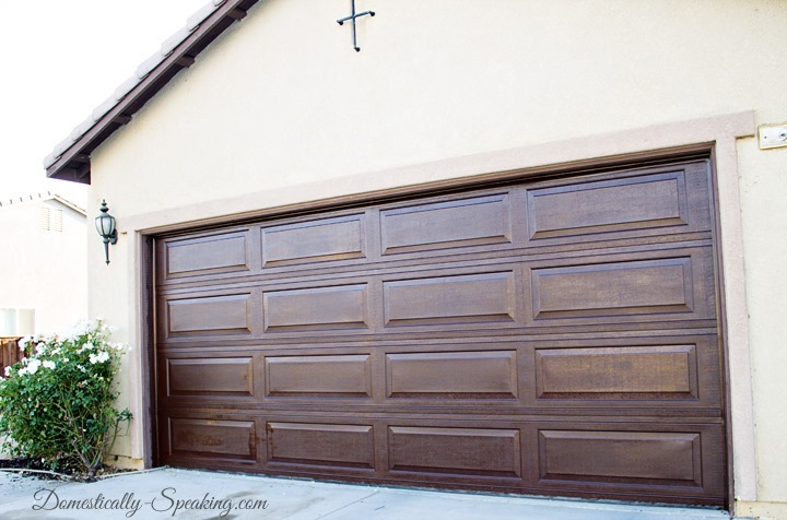 Christmas free chalkboard printable see vanessa craft for Faux wood garage door