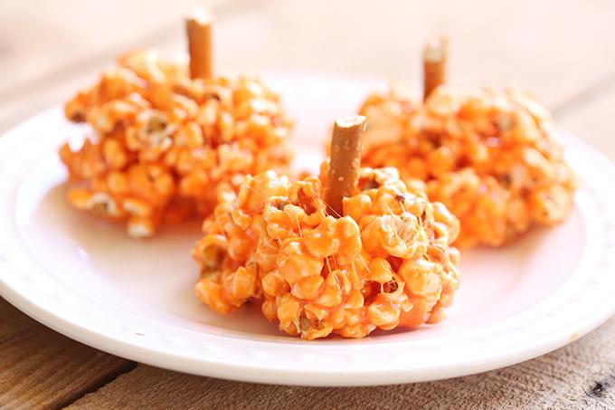 marshmallow-pumpkin-popcorn-balls-4-copy