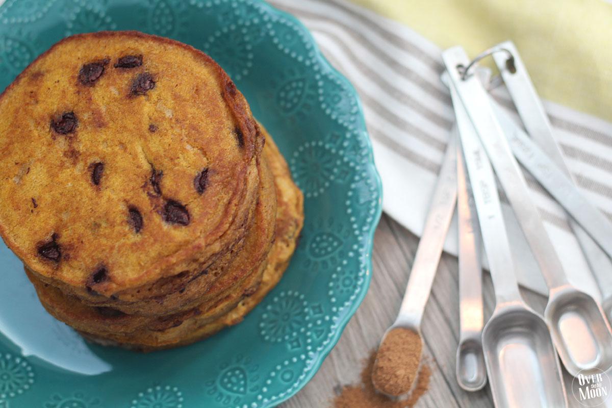 pumpkin-pancakes-choc-chip