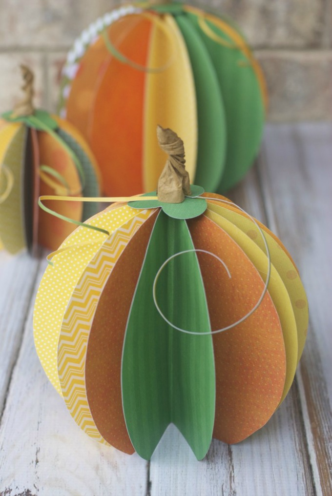 DIY Paper Pumpkin