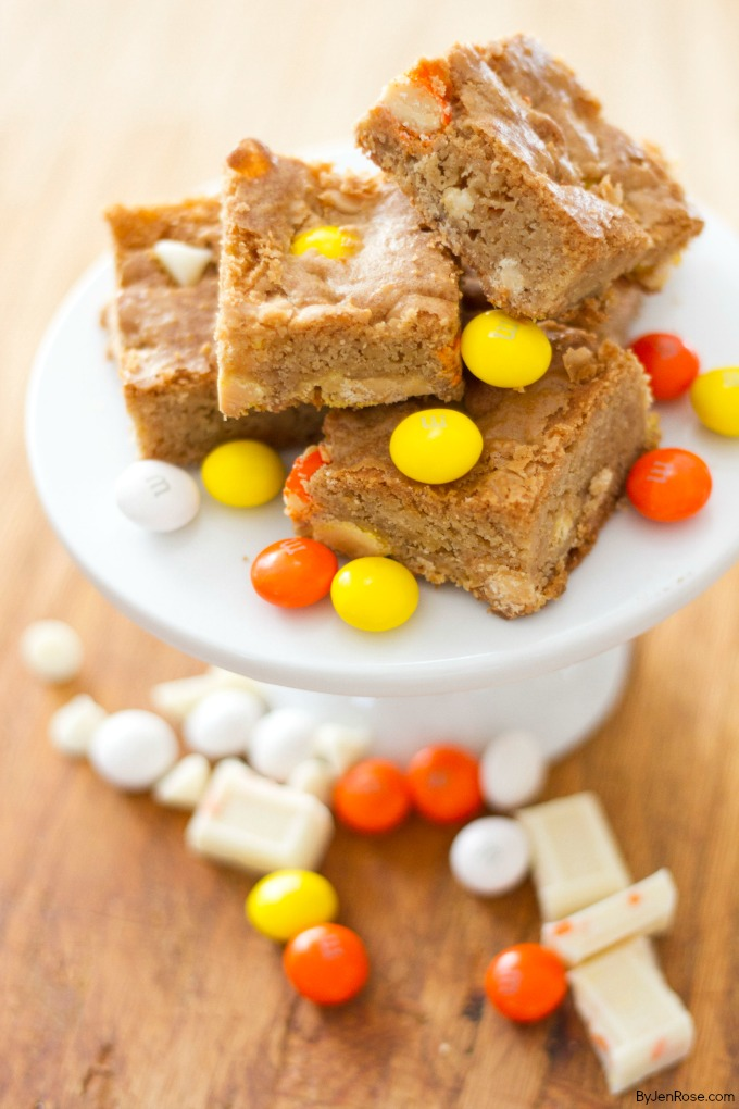 Halloween-Candy-Cookie-Bars