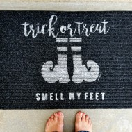Halloween: DIY Stenciled Trick or Treat Doormat