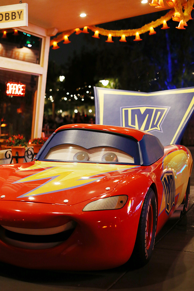 Lightening McQueen Halloween Cars Land copy