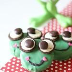 Recipe: Sherlock Gnomes Frog Oreo Treats