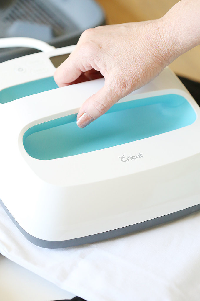 Cricut EasyPress Heat Press Machine copy