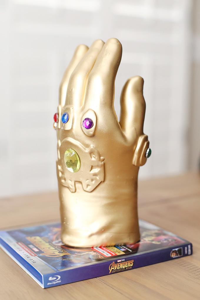 Wax Infinity Gaunlet Hand 1 copy