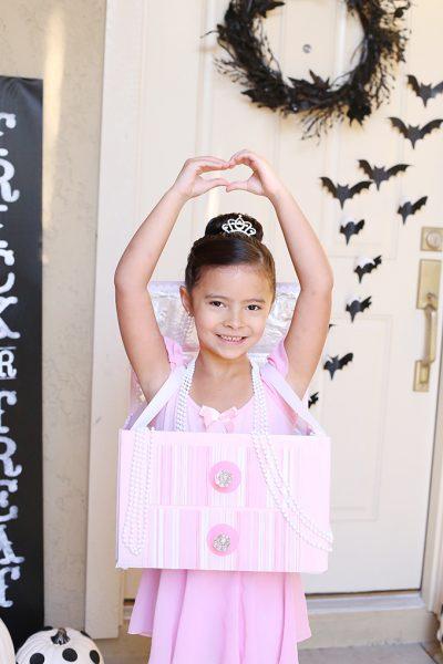 Halloween: DIY Ballerina Jewelry Box Costume