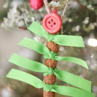 Christmas: Cinnamon Stick Christmas Tree Ornament