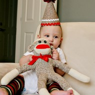 {Craft} Sock Monkey Birthday Hat Tutorial