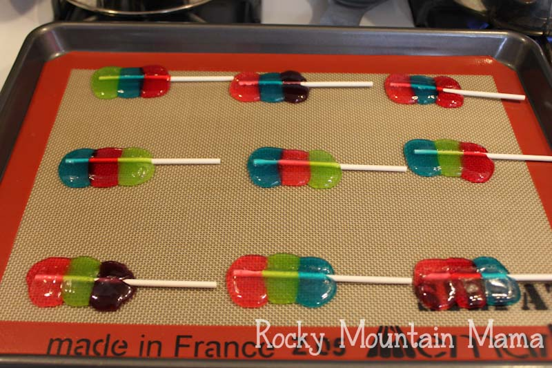 Rocky Mountain Mama, one of my good IRL (in real life) friends, is back on the blog today showing us how to make jolly rancher suckers.