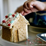 (tot school tuesday) decorating gingerbread houses