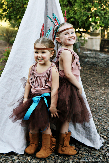 20 crafty days of halloween no sew indian costumes see vanessa craft you might also like halloween diy fisherman and fish family costumes solutioingenieria Choice Image
