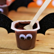 (30 crafty days of halloween) bat pudding cups