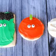 (30 crafty days of halloween) pumpkin, mummy, frankenstein sugar cookies