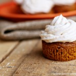 (recipe) pumpkin cupcakes with cinnamon cream cheese frosting