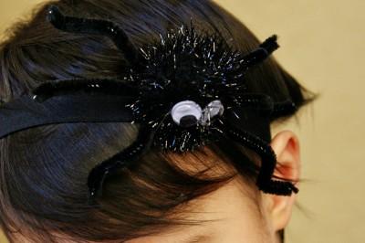 Spider Headband Tutorial for Halloween / www.seevanessacraft.com