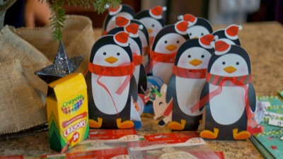 Penguin Snack Mix | www.seevanessacraft.com