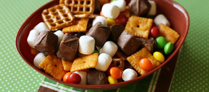 Game Day Snack Mix 2 web