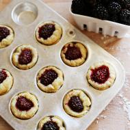 Recipe: Puff Pastry Blackberry Pie Bites