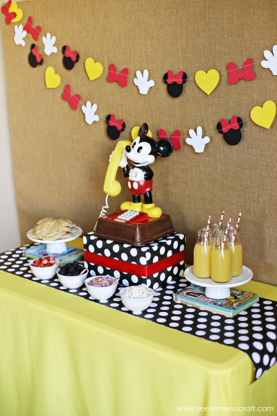 Mickey Mouse Breakfast
