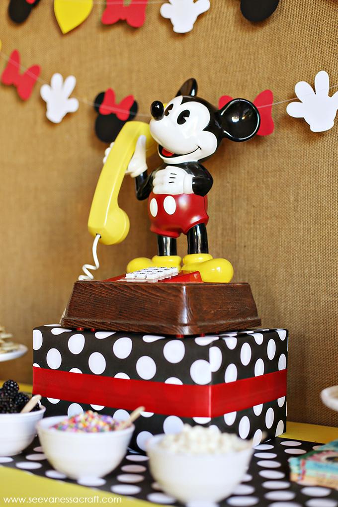 Mickey Mouse Breakfast Trip Reveal
