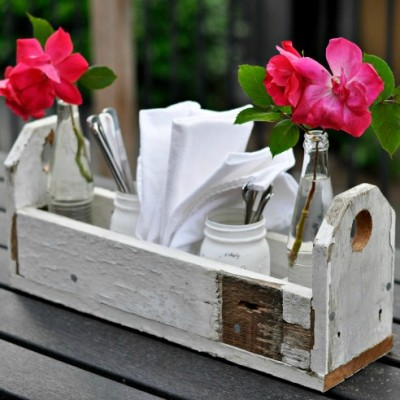 farmhouse reclaimed wood utensil caddy feature image