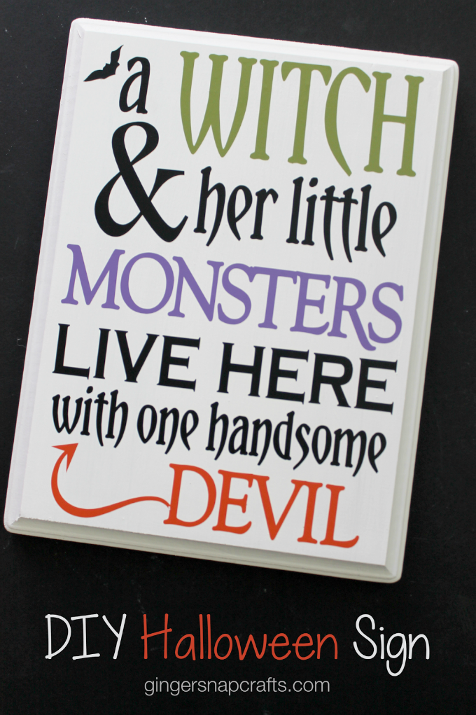 DIY Halloween Sign at GingerSnapCrafts.com-1