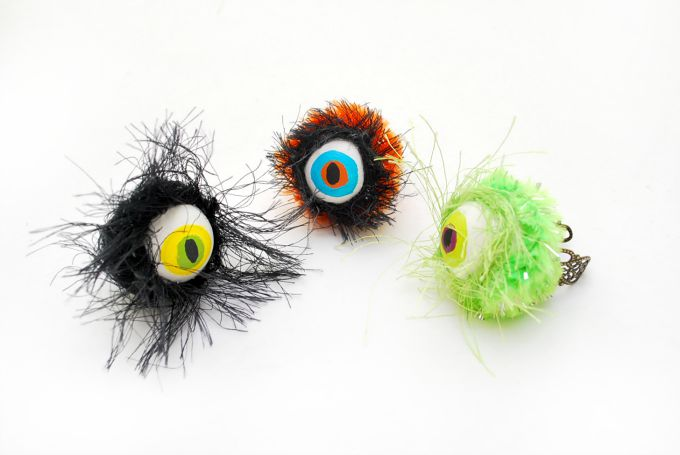 Hairy-Monster-Eyeball-Halloween-Rings-by-The-Silly-Pearl