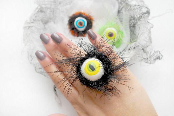 Hairy-Monster-Eyeball-Halloween-Rings-by-The-Silly-Pearl1