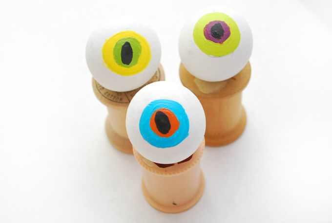 Hairy-Monster-Eyeball-Ring-2