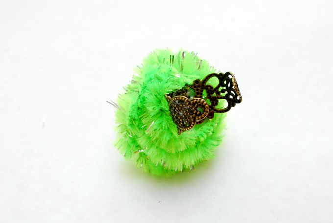 Hairy-Monster-Eyeball-Ring-5