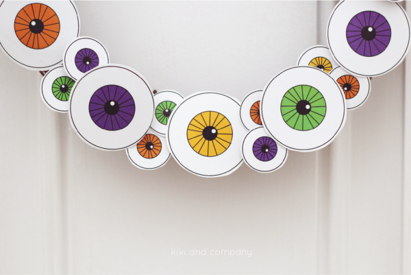 Halloween-Eyeball-Wreath-from-kiki-and-company.-So-cute-e1441474544782