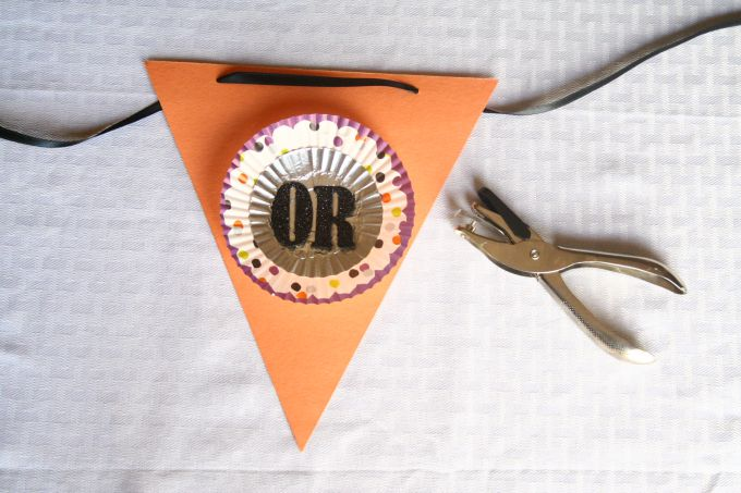 Customizable DIY Halloween flag banner.