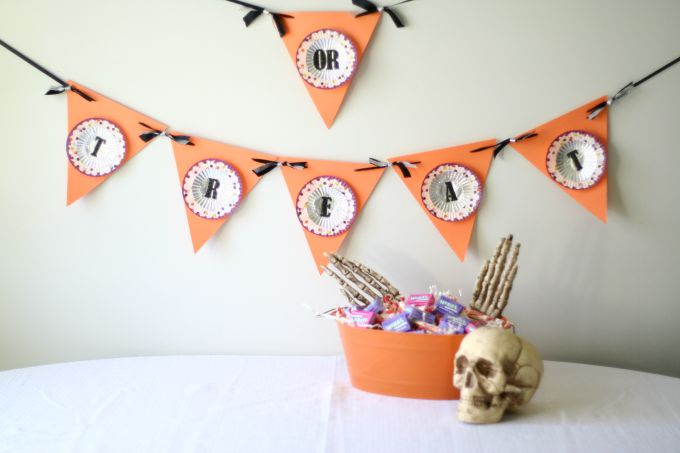Trick-or-Treat bunting banner.