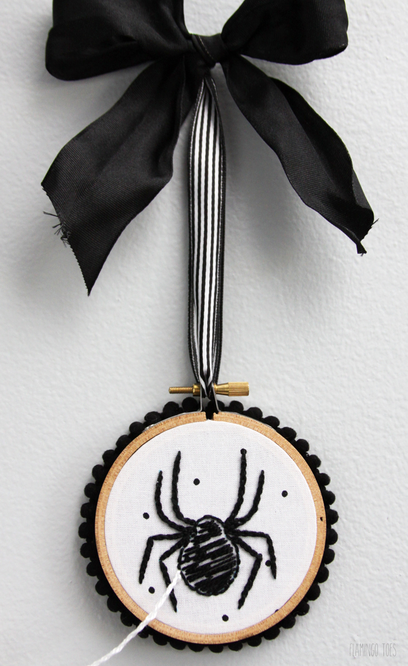 Spider-Embroidery-Hoop-Art
