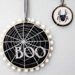 Halloween: Spooky Spiderweb Embroidery Hoop Art