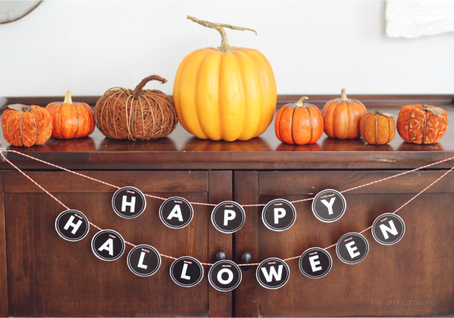 happy-halloween-sign-from-kiki-and-company-e1441468041936