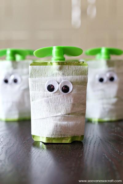 Mummy Apple Sauce School Snack for Halloween